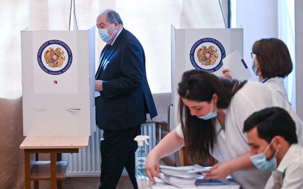 Armenia -- President Armen Sargsyan votes in Parliamentary elections, 20Jun2021